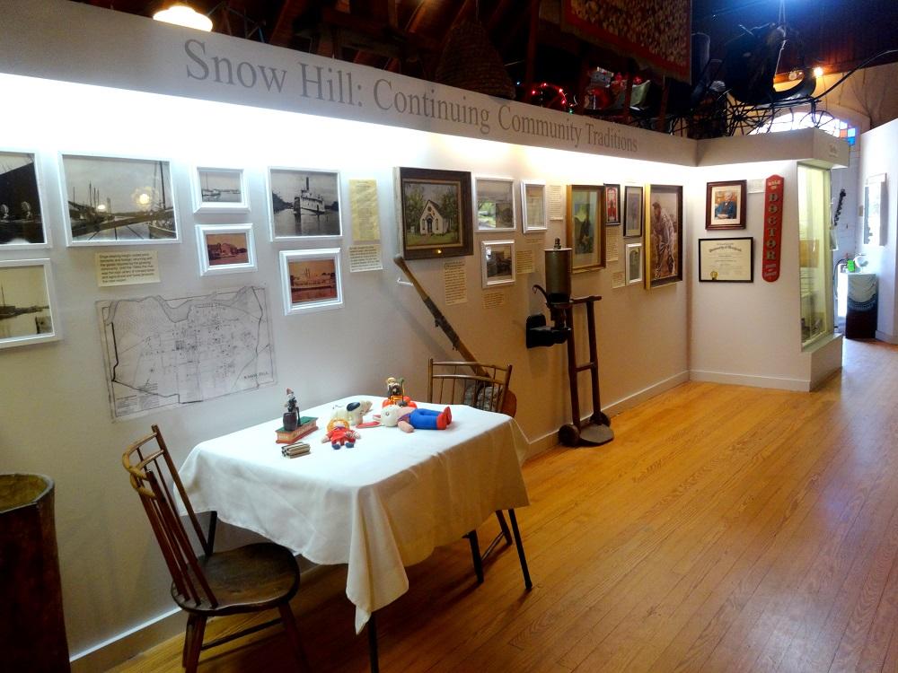 smDSC02086_Snow Hill Exhib